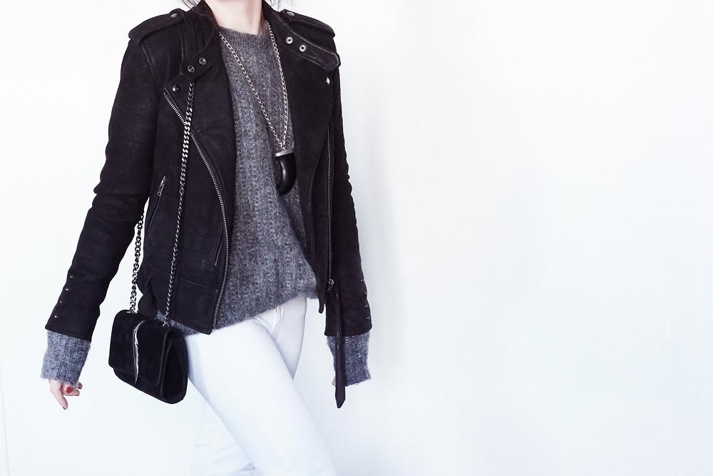 La jolie @lydiamarceau sublime notre modèle Lenny Blanc avec un look black and white !